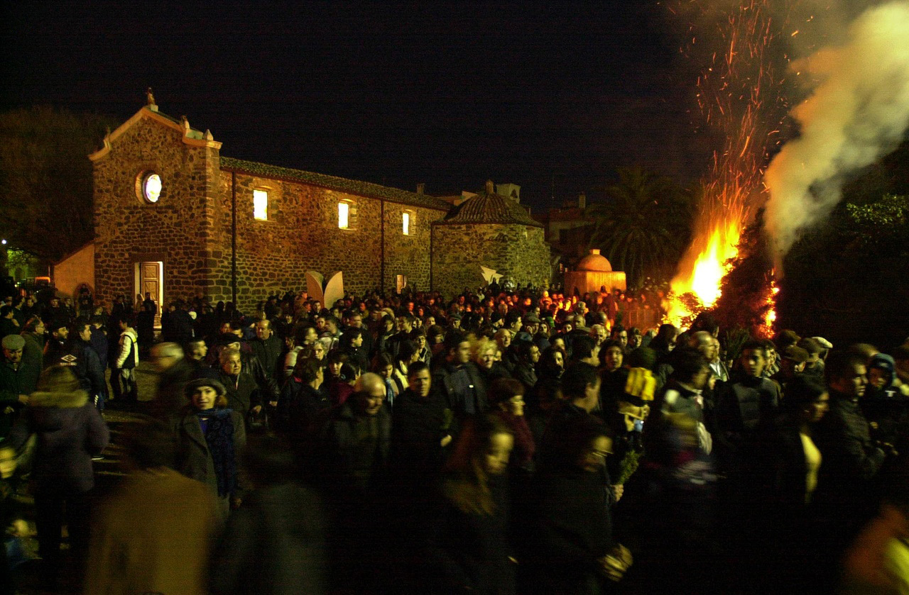 Orosei: Saint Anthony Abate's Bonfire